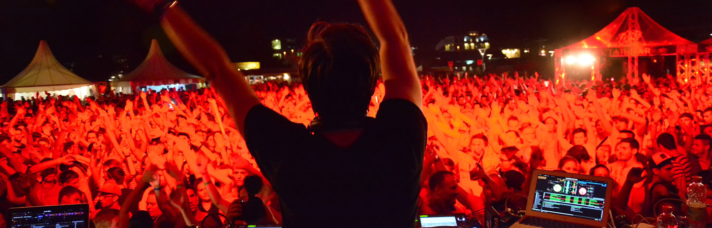 DJ vor Publikum